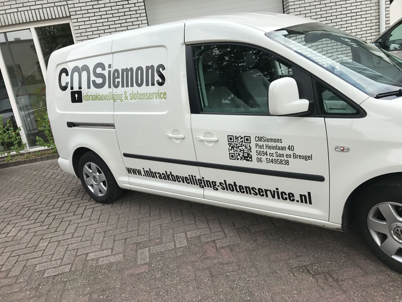CMS busbelettering