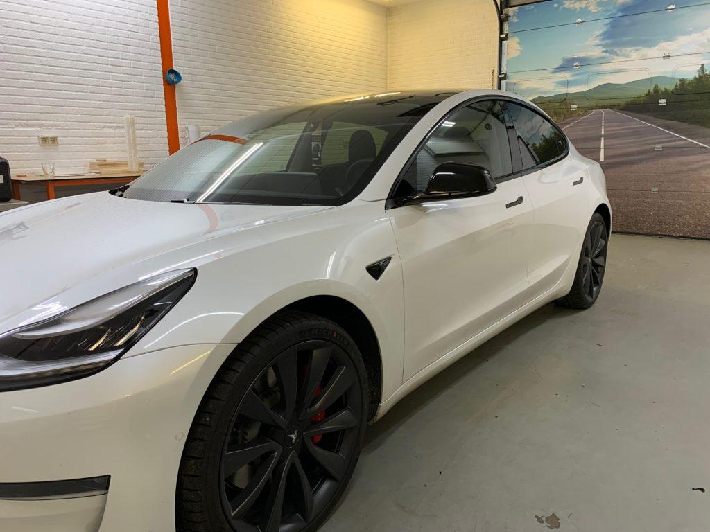 Tesla Model 3 Ontchromen 5