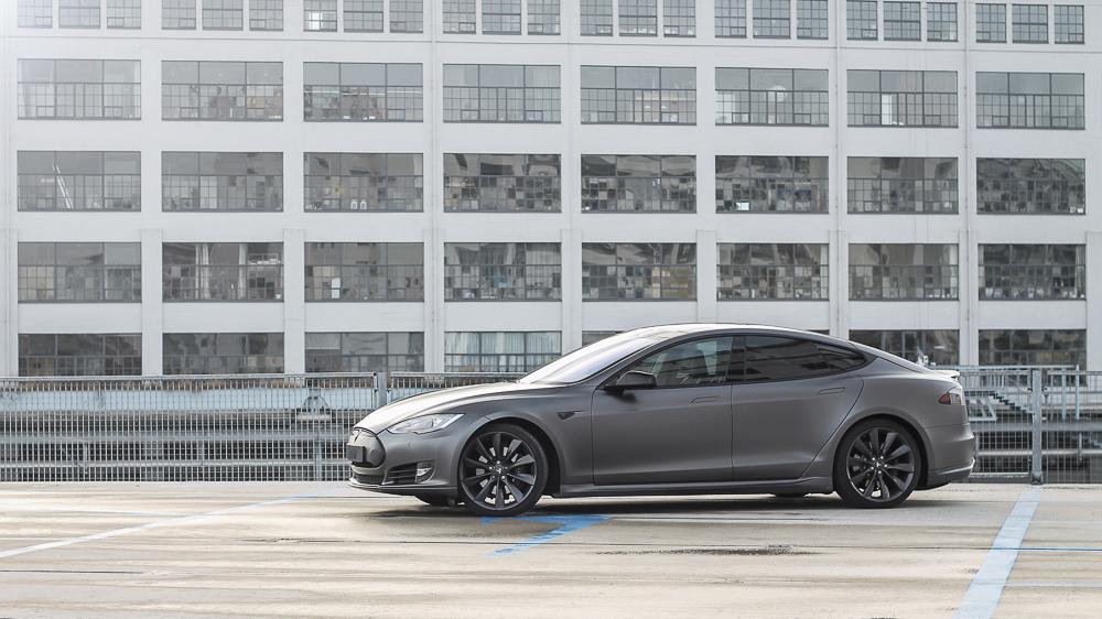 Tesla Carwrap 3M Satin Grey 6