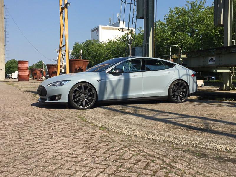 Tesla Carwrap Battleship Grey 1