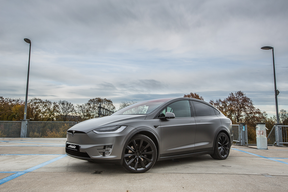 Tesla Carwrap Satin Dark Grey 10