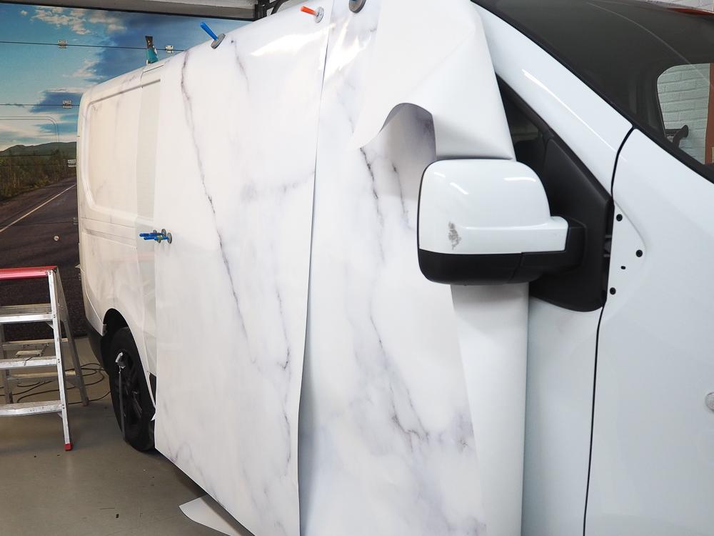 marmer carwrap door Autobelettering-Eindhoven