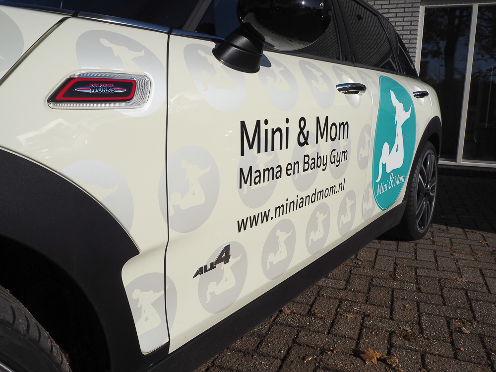 Autoreclame Mini and Mom